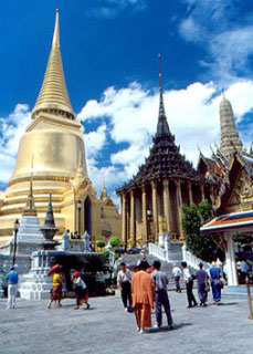 Wat Phra Kaew, Krungthep - The Emerald Temple, Bangkok - photo courtesy of TAT